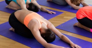 stretching vs yoga